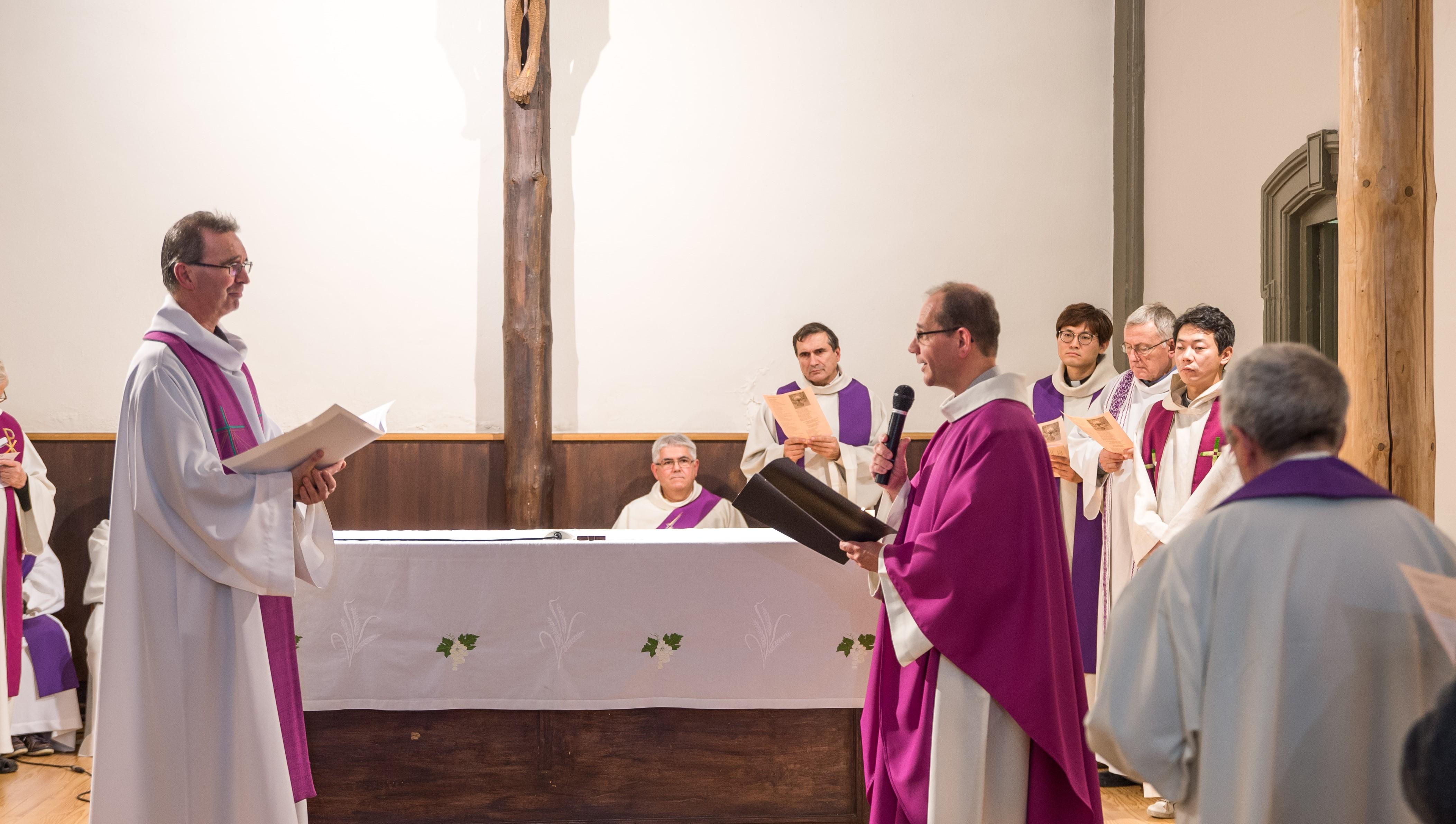 le Père Gilles VADON célèbre à Lyon son engagement perpétuel au Prado