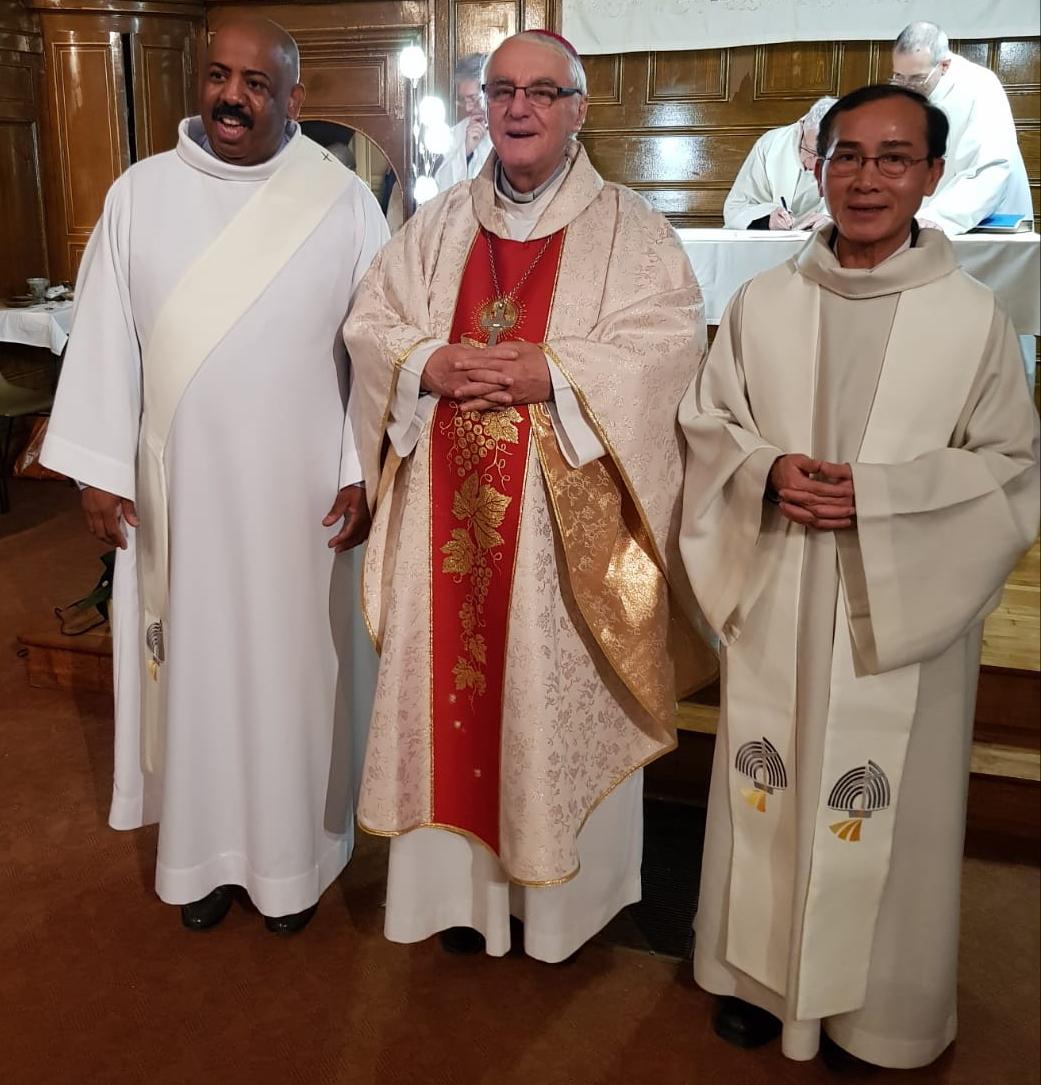 Créteil : un prêtre et un diacre au Prado